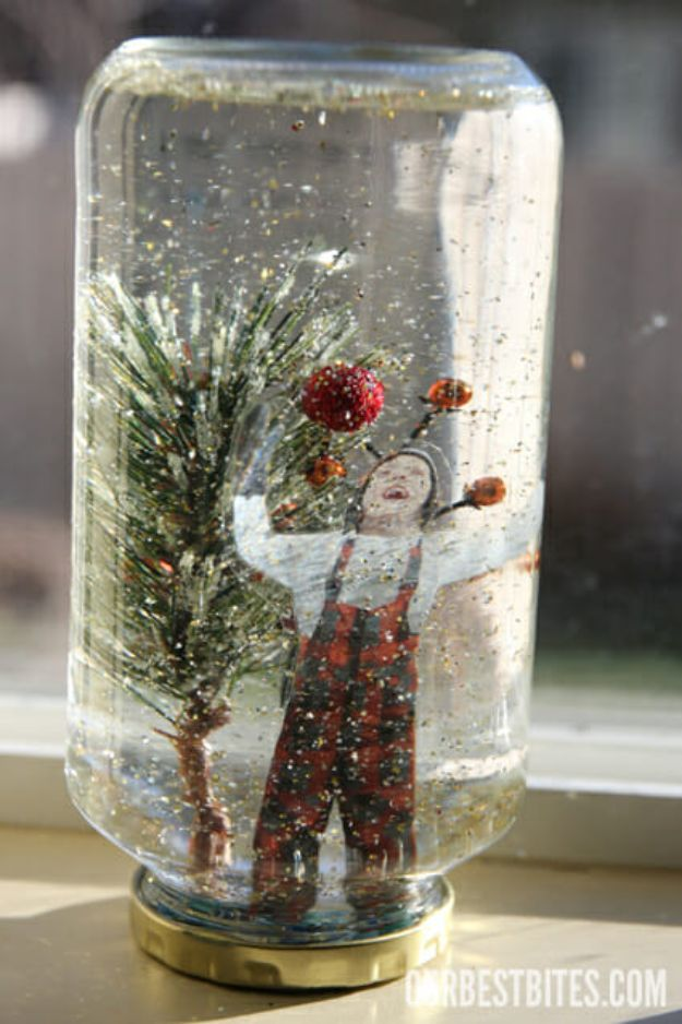 DIY Snow Globe Ideas - Make a Homemade Snow Globe - Easy Ideas To Make Snow Globes With Kids - Mason Jar, Picture, Ornament, Waterless Christmas Crafts - Cheap DYI Holiday Gift Ideas