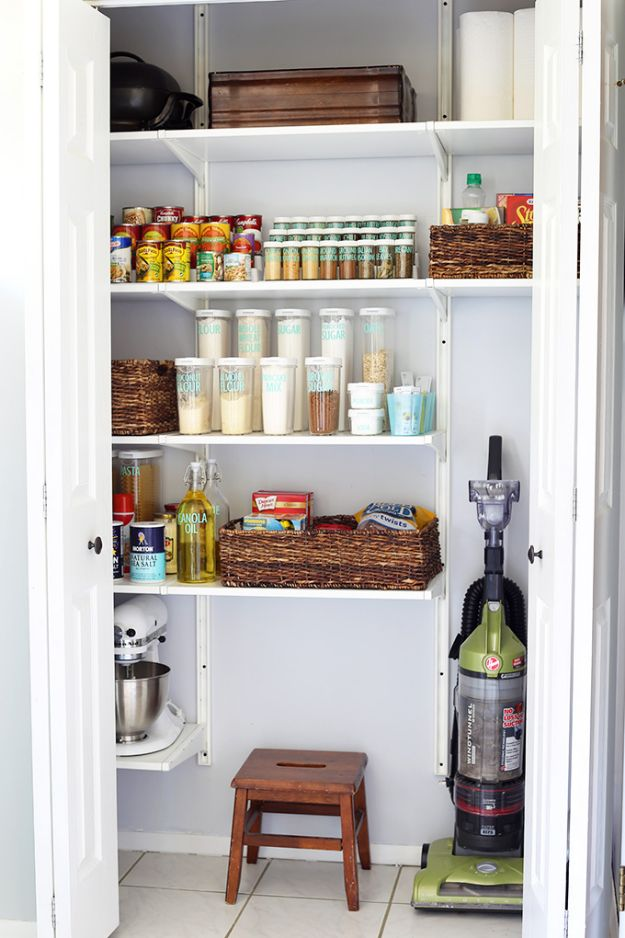 DIY Pantry Organizing Ideas - Organize A Kitchen Pantry With Free Printables - Easy Organization for the Kitchen Pantry - Cheap Shelving and Storage Jars, Labels, Containers, Baskets to Organize Cans and Food, Spices