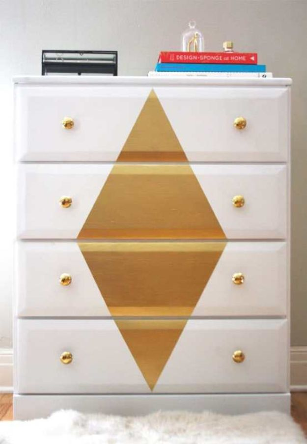 DIY Bedroom Decor Ideas - Painted Dresser - Easy Room Decor Projects for The Home - Cheap Farmhouse Crafts, Wall Art Idea, Bed and Bedding, Furniture