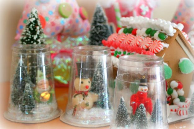 DIY Snow Globe Ideas - Plastic Cup Snow Globess - Easy Ideas To Make Snow Globes With Kids - Mason Jar, Picture, Ornament, Waterless Christmas Crafts - Cheap DYI Holiday Gift Ideas