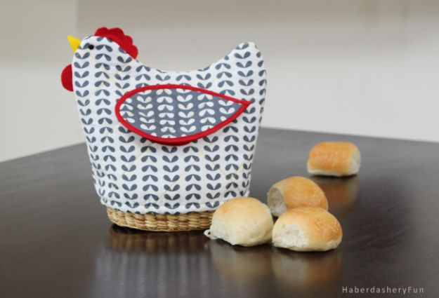 Sewing Projects to Make and Sell - Quilted Bread Basket Cover - Easy Things to Sew and Sell on Etsy and Online Shops - DIY Sewing Crafts With Free Pattern and Tutorial