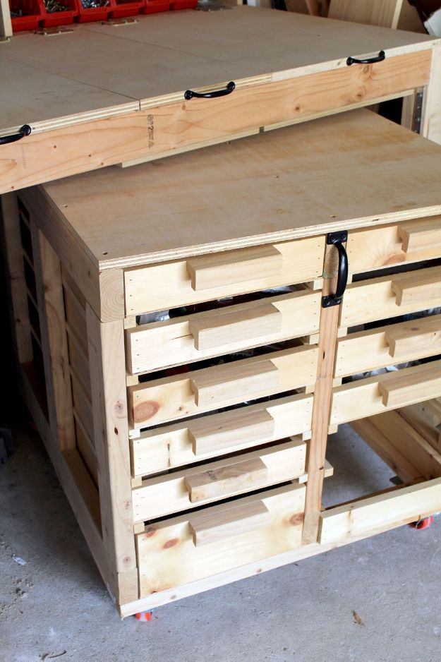 DIY Garage Organization Ideas - Rolling Tables With Storage - Ideas for Storage, Storing Tools, Small Spaces, DYI Shelves, Organizing Hacks