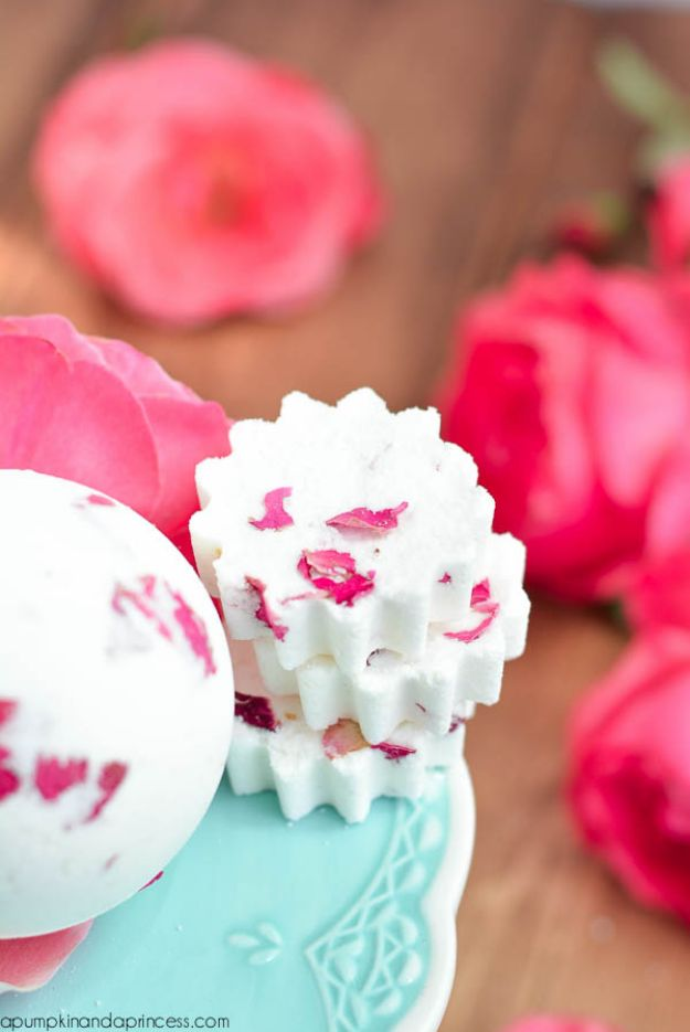 DIY Bath Bombs - Rose Milk Bath Bomb - Easy DIY Bath Bomb Recipe Ideas - How to Make Bath Bombs at Home - Best Lush Copycats, Lavender, Glitter Homemade Bath Fizzies #bathbombs #diyideas