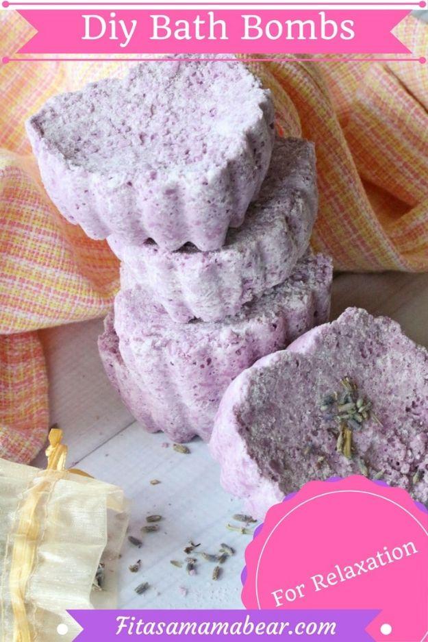 DIY Bath Bombs - Sleepy Time DIY Bath Bombs - Easy DIY Bath Bomb Recipe Ideas - How to Make Bath Bombs at Home - Best Lush Copycats, Lavender, Glitter Homemade Bath Fizzies #bathbombs #diyideas