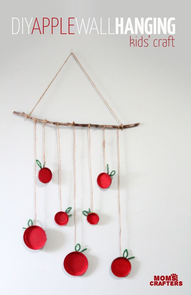 DIY Apple Crafts | Apple Wall Hanging - Cute and Easy DIY Ideas With Apples - Painting, Mason Jars, Home Decor
