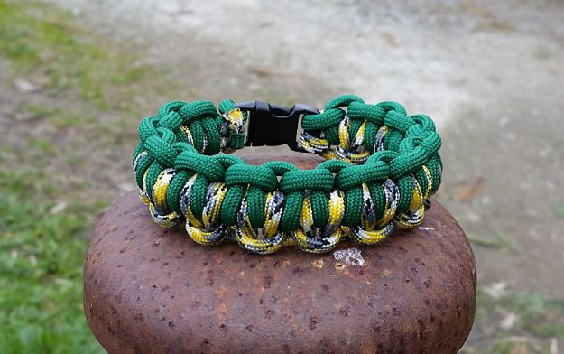 DIY Paracord Bracelet Ideas - Braided Paracord Bracelet - Tutorials for Easy Woven Paracord Bracelets | Survival and Stitched Patterns With Instructions and How To