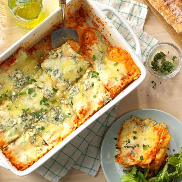 Potluck Recipe Ideas - Buffalo Chicken Lasagna - Easy Recipes to Take To Potlucks - Dinner Casseroles, Salads, One Pot Meals, Pasta Dishes, Quick Crockpot Recipes