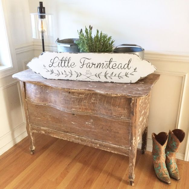 DIY Signs To Make For Your Home | Custom Vintage Farmhouse Style Sign - Rustic Wall Art Ideas and Homemade Sign for Bedroom, Kitchen, Farmhouse Decor | Stencil Pallet and Distressed Vintage