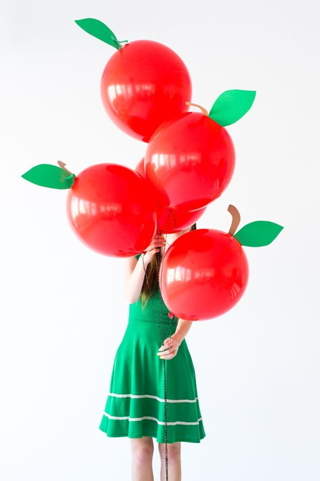 DIY Apple Crafts | DIY Apple Balloons - Cute and Easy DIY Ideas With Apples - Painting, Mason Jars, Home Decor