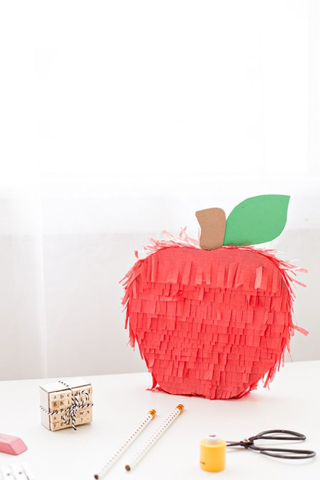 DIY Apple Crafts   DIY Apple Piñata - Cute and Easy DIY Ideas With Apples - Painting, Mason Jars, Home Decor