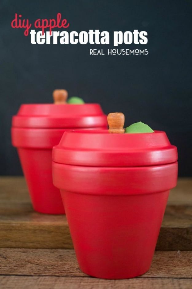 DIY Apple Crafts | Cheap DIY Teachers Gifts - DIY Apple Terracota Pots - Cute and Easy DIY Ideas With Apples - Painting, Mason Jars, Home Decor