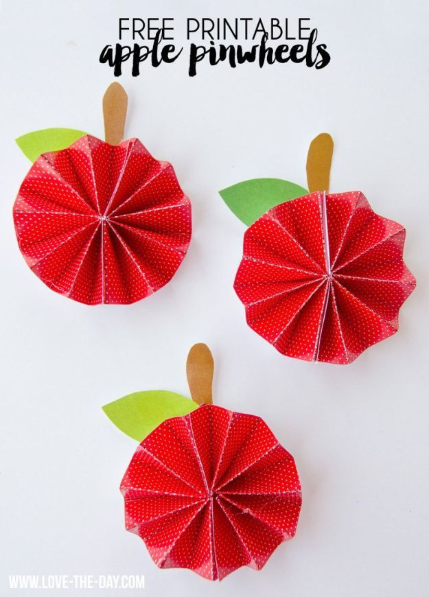 DIY Apple Crafts | DIY Free Printable Apple Pinwheel - Cute and Easy DIY Ideas With Apples - Painting, Mason Jars, Home Decor