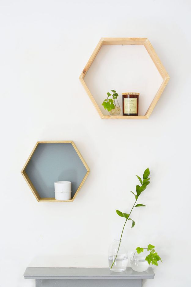 DIY Midcentury Modern Decor Ideas - DIY Honeycomb Shelves - DYI Mid Centurty Modern Furniture and Home Decorations - Chairs, Sofa, Wall Art , Shelves, Bedroom and Living Room