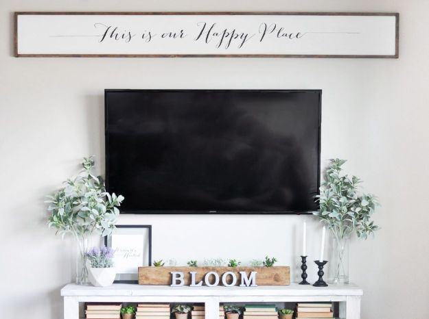 DIY Signs To Make For Your Home | DIY Large Wooden Sign - Rustic Wall Art Ideas and Homemade Sign for Bedroom, Kitchen, Farmhouse Decor | Stencil Pallet and Distressed Vintage