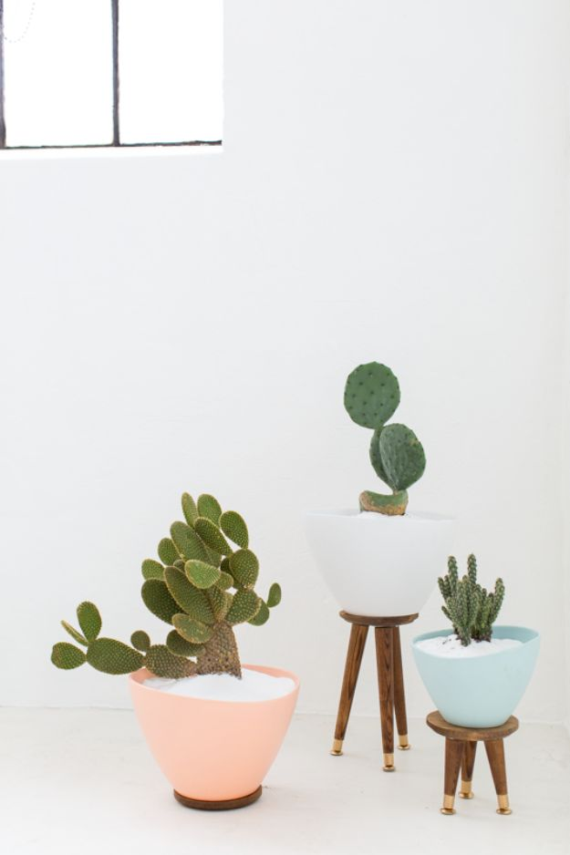 DIY Midcentury Modern Decor Ideas - DIY Midcentury Planters - DYI Mid Centurty Modern Furniture and Home Decorations - Chairs, Sofa, Wall Art , Shelves, Bedroom and Living Room