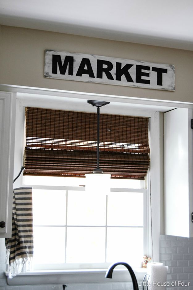 DIY Signs To Make For Your Home | DIY Vintage Market Sign - Rustic Wall Art Ideas and Homemade Sign for Bedroom, Kitchen, Farmhouse Decor | Stencil Pallet and Distressed Vintage
