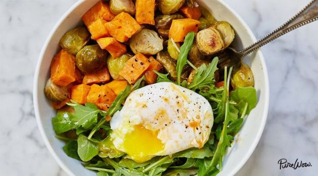 Recipes for Clean Eating - Egg and Veggie Breakfast Bowl - Raw and Whole Foods, Unprocessed Meal and Snack Ideas for Lunch and Dinner - Fresh, Healthy Foods and Recipe Ideas
