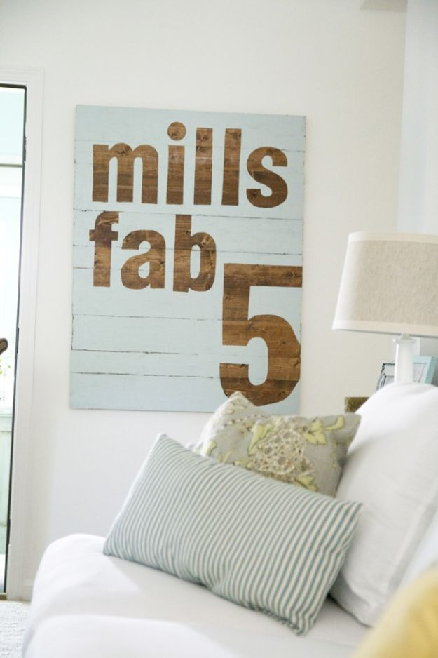 DIY Signs To Make For Your Home | Fab 5 Sign DIY - Rustic Wall Art Ideas and Homemade Sign for Bedroom, Kitchen, Farmhouse Decor | Stencil Pallet and Distressed Vintage