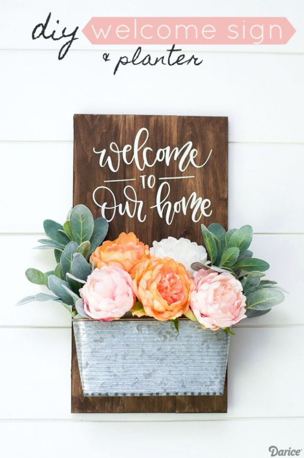 DIY Signs To Make For Your Home | Front Door Welcome Sign - Rustic Wall Art Ideas and Homemade Sign for Bedroom, Kitchen, Farmhouse Decor | Stencil Pallet and Distressed Vintage