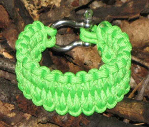 DIY Paracord Bracelet Ideas - Gator Weave Paracord Bracelet - Tutorials for Easy Woven Paracord Bracelets | Survival and Stitched Patterns With Instructions and How To