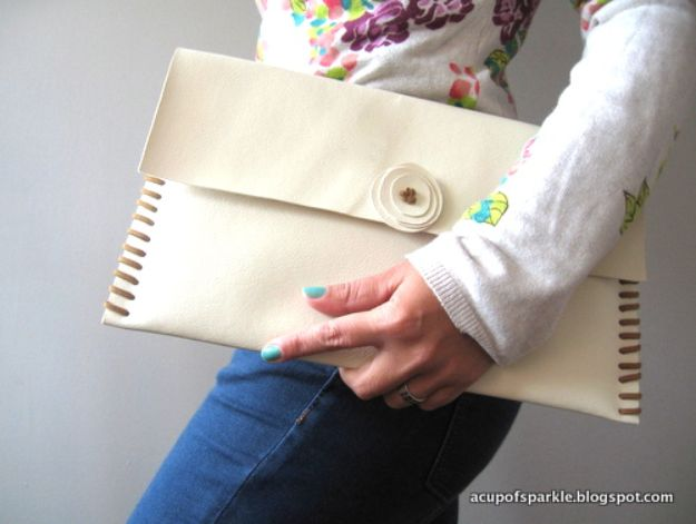 DIY Laptop Bags - Handmade Macbook Air Sleeve Case Tutorial - Easy Bag Projects to Make For Your Computer - Cool and Cheap Homemade Messnger Bags, Cases for Laptops - Shoulder Bag and Briefcase, Backpack