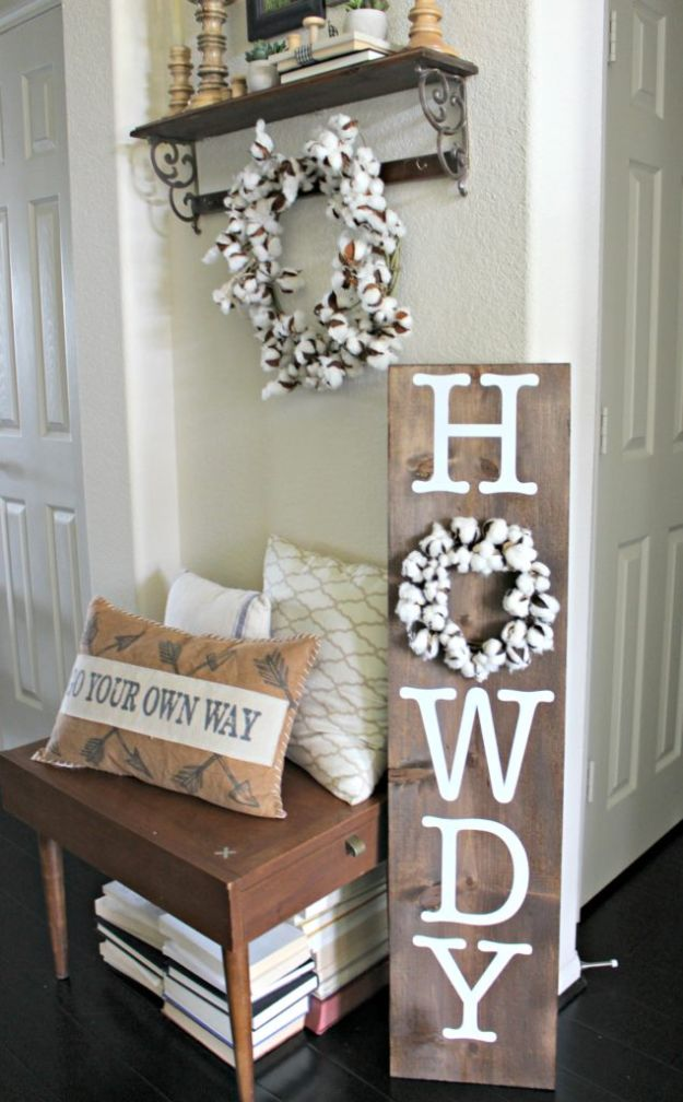 DIY Signs To Make For Your Home | Howdy Porch Sign - Rustic Wall Art Ideas and Homemade Sign for Bedroom, Kitchen, Farmhouse Decor | Stencil Pallet and Distressed Vintage