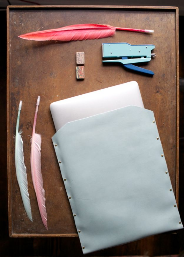 DIY Laptop Bags - Leather Laptop Case DIY - Easy Bag Projects to Make For Your Computer - Cool and Cheap Homemade Messnger Bags, Cases for Laptops - Shoulder Bag and Briefcase, Backpack