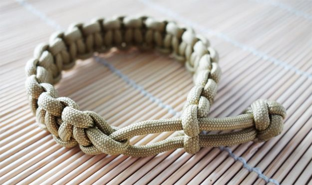 DIY Paracord Bracelet Ideas - Mad Max Cobra Stitch Paracord Bracelet - Tutorials for Easy Woven Paracord Bracelets   Survival and Stitched Patterns With Instructions and How To