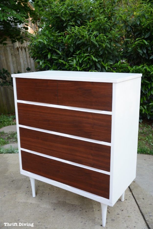 DIY Midcentury Modern Decor Ideas - Mid-Century Modern Dresser Makeover - DYI Mid Centurty Modern Furniture and Home Decorations - Chairs, Sofa, Wall Art , Shelves, Bedroom and Living Room