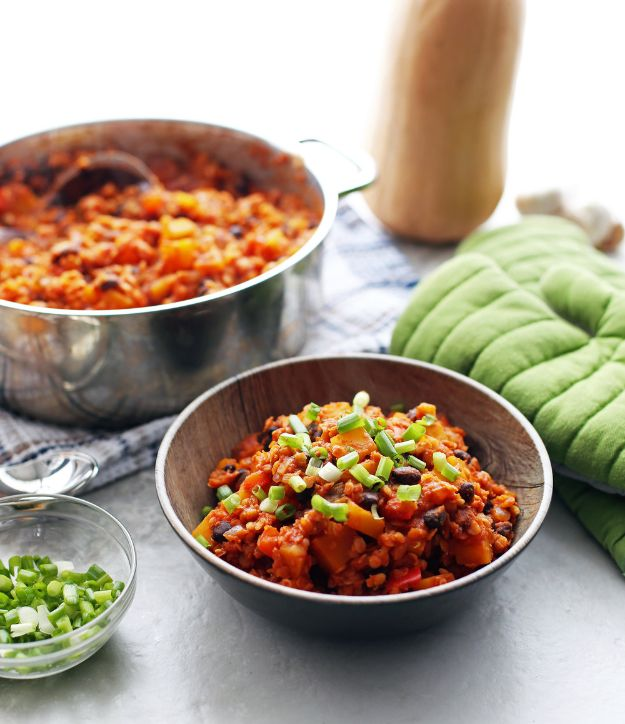 Recipes for Clean Eating - One-Pot Red Lentil and Butternut Squash Chili - Raw and Whole Foods, Unprocessed Meal and Snack Ideas for Lunch and Dinner - Fresh, Healthy Foods and Recipe Ideas