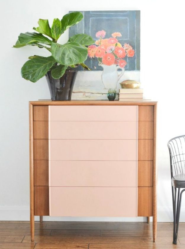 DIY Midcentury Modern Decor Ideas - Painted Drawer - DYI Mid Centurty Modern Furniture and Home Decorations - Chairs, Sofa, Wall Art , Shelves, Bedroom and Living Room