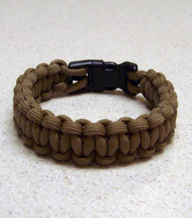 Cool DIY Paracord Bracelet Ideas - Paracord Bracelet With A Side Release Buckle - Tutorials for Easy Woven Paracord Bracelets   Survival and Stitched Patterns With Instructions and How To
