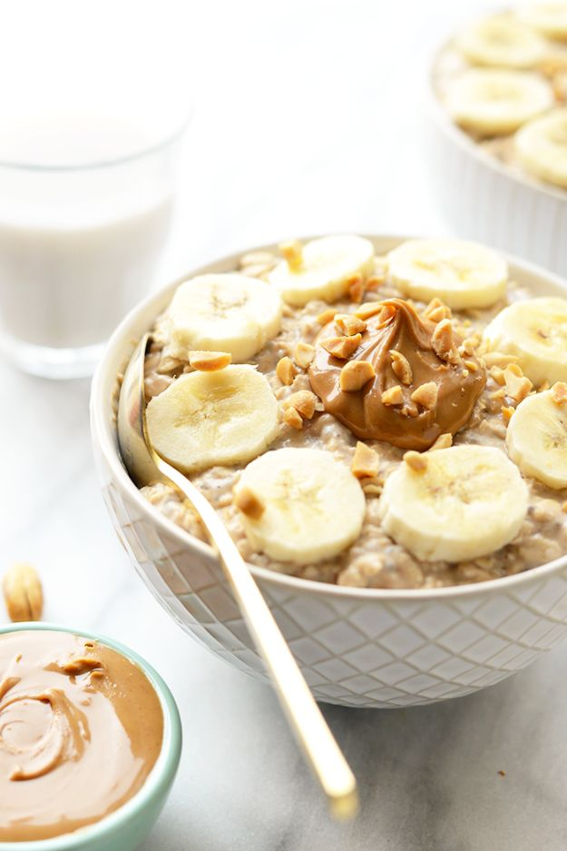 Recipes for Clean Eating - Peanut Butter Banana Overnight Oats - Raw and Whole Foods, Unprocessed Meal and Snack Ideas for Lunch and Dinner - Fresh, Healthy Foods and Recipe Ideas