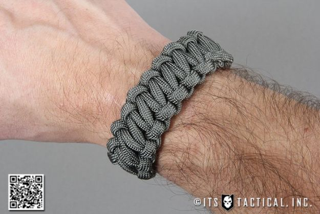 DIY Paracord Bracelet Ideas - Quick Release Paracord Bracelet for Emergency Deployment - Tutorials for Easy Woven Paracord Bracelets   Survival and Stitched Patterns With Instructions and How To