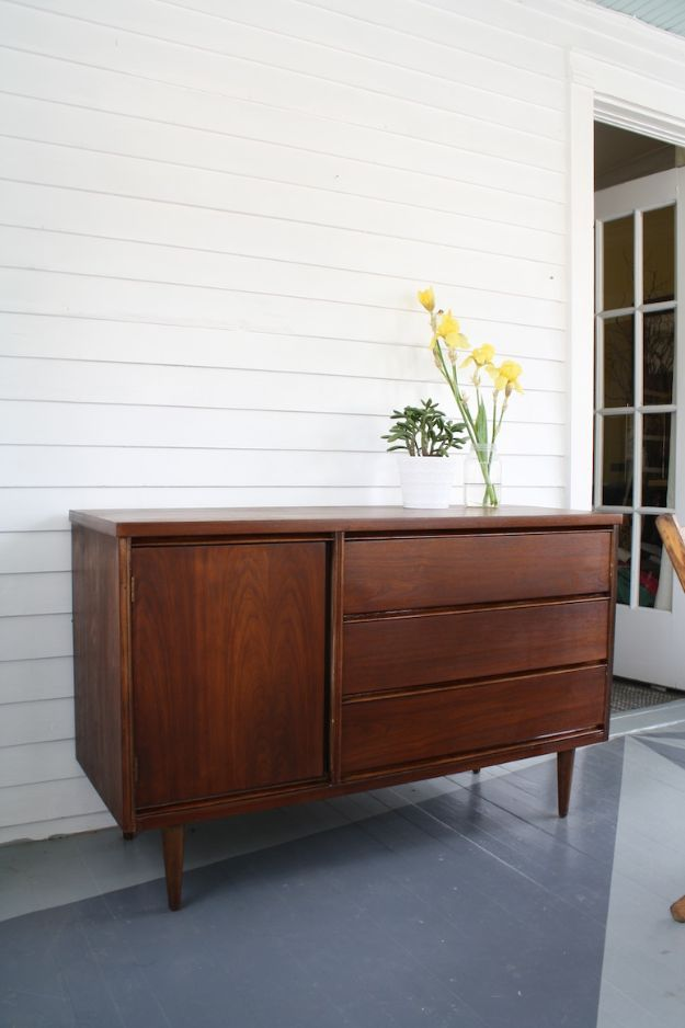 DIY Sideboards - Refinished Mid Century Buffet - Easy Furniture Ideas to Make On A Budget - DYI Side Board Tutorial for Makeover, Building Wooden Home Decor