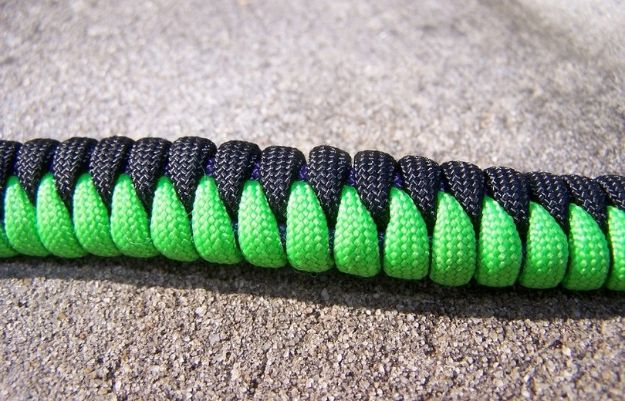 DIY Paracord Bracelet Ideas - Sawtooth Paracord Bracelet - Tutorials for Easy Woven Paracord Bracelets | Survival and Stitched Patterns With Instructions and How To