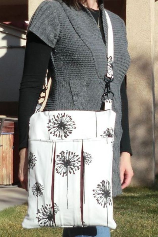 DIY Laptop Bags - Slim Laptop Bag - Easy Bag Projects to Make For Your Computer - Cool and Cheap Homemade Messnger Bags, Cases for Laptops - Shoulder Bag and Briefcase, Backpack