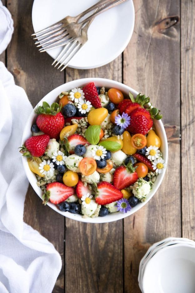 Potluck Recipe Ideas - Strawberry and Blueberry Caprese Farro Salad - Easy Recipes to Take To Potlucks - Dinner Casseroles, Salads, One Pot Meals, Pasta Dishes, Quick Crockpot Recipes