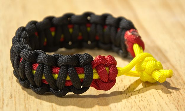 DIY Paracord Bracelet Ideas - Two Color Core Paracord Bracelet - Tutorials for Easy Woven Paracord Bracelets | Survival and Stitched Patterns With Instructions and How To