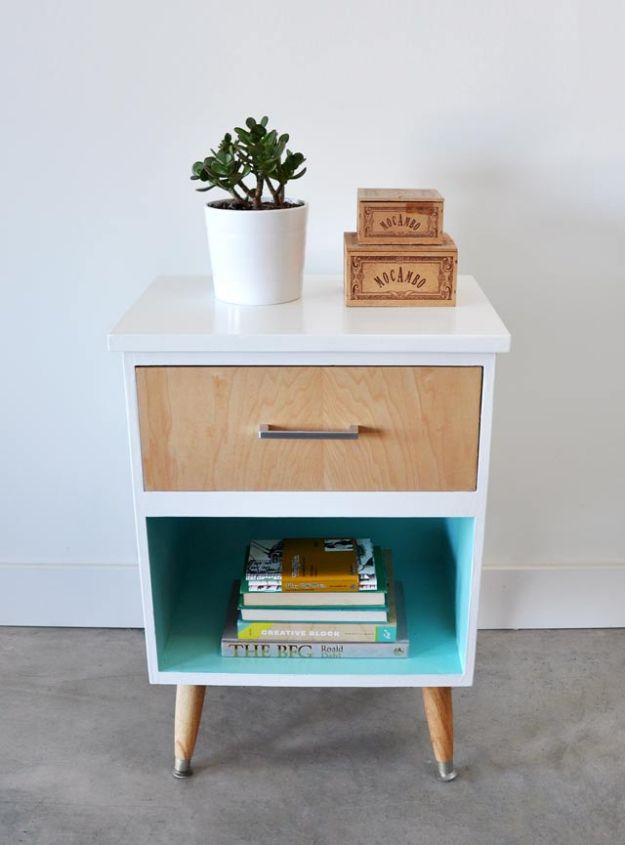 DIY Midcentury Modern Decor Ideas - Vintage Night Stand - DYI Mid Centurty Modern Furniture and Home Decorations - Chairs, Sofa, Wall Art , Shelves, Bedroom and Living Room
