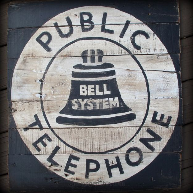 DIY Signs To Make For Your Home | Vintage Style Telephone Sign DIY - Rustic Wall Art Ideas and Homemade Sign for Bedroom, Kitchen, Farmhouse Decor | Stencil Pallet and Distressed Vintage