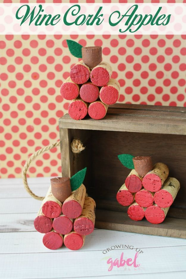 DIY Apple Crafts | Wine Cork Apple - Cute and Easy DIY Ideas With Apples - Painting, Mason Jars, Home Decor