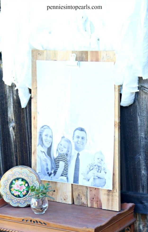 Cheap Mothers Day Gifts - $3 Priceless Pallet Picture Holder - Homemade Presents and Gift Ideas for Mom - Cute and Easy Things to Make For Mother