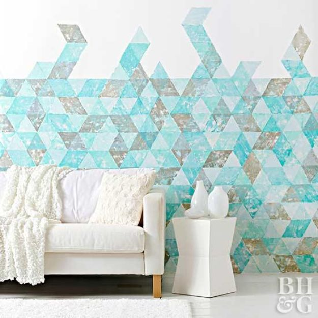 DIY Faux Finishes for Walls - Apply a Wall Stamp - Step by Step Tutorials for Do It Yourself Faux Finish Wall Textures - Rustic, Colour, Tuscan Style, Simple Metallic, Sponge Painting Techniques, Roller and Drag Texture