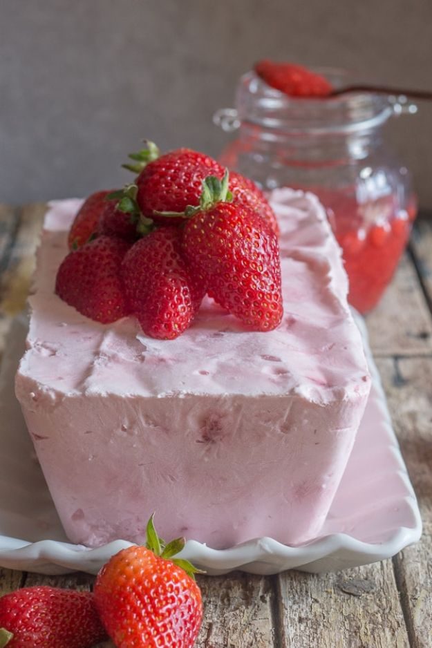 Best Strawberry Recipes - Creamy Strawberry Semifreddo - Easy Recipe Ideas With Fresh Strawberries - Dessert, Cakes, Breakfast, Muffins, Pie, Salad