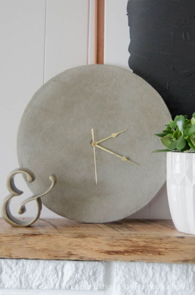 DIY Clocks - DIY Concrete Clock - Easy and Cheap Home Decor Ideas and Crafts for Wall Clock - Cool Bedroom and Living Room Decor, Farmhouse and Modern