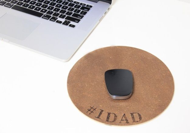 DIY Fathers Day Gifts - DIY Engraved Mousepad - Homemade Presents and Gift Ideas for Dad - Cute and Easy Things to Make For Father