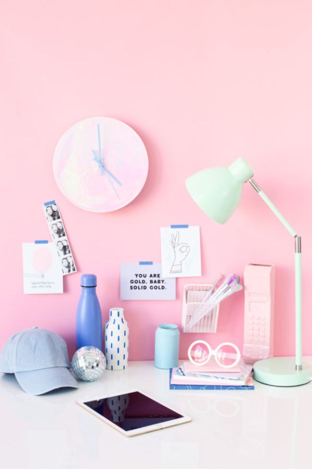 DIY Clocks - DIY Holographic Clock - Easy and Cheap Home Decor Ideas and Crafts for Wall Clock - Cool Bedroom and Living Room Decor, Farmhouse and Modern