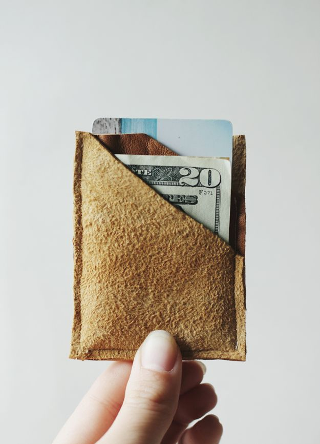 DIY Fathers Day Gifts - DIY Leather Wallet - Homemade Presents and Gift Ideas for Dad - Cute and Easy Things to Make For Father