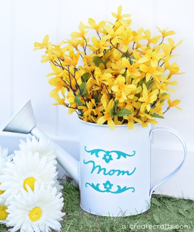 Cheap Mothers Day Gifts - DIY Mother's Vase - Homemade Presents and Gift Ideas for Mom - Cute and Easy Things to Make For Mother